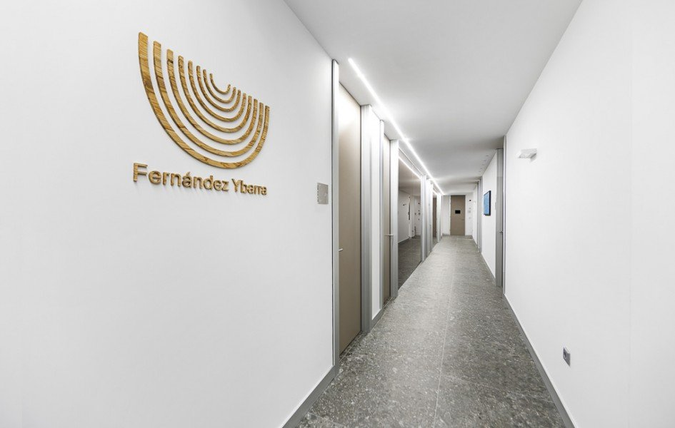 Instalaciones pasillo clinica dental
