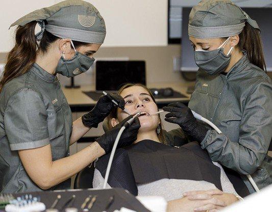 Tratamientos odontologia conservadora composite